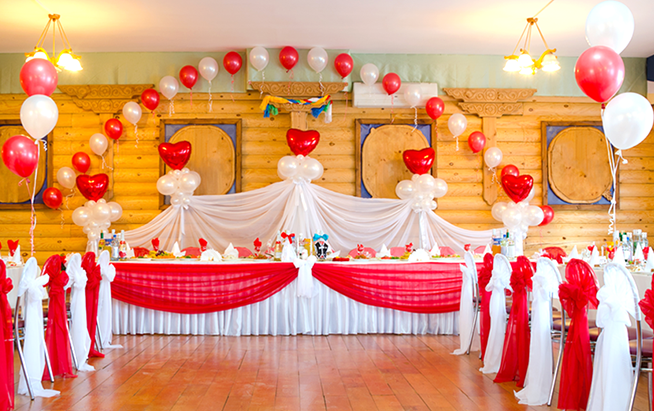 9 Amazing Wedding Backdrops Using Balloons That Will Blow Up Your Mind
